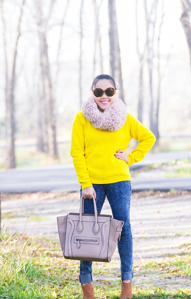 Sweater, yellow and scarf