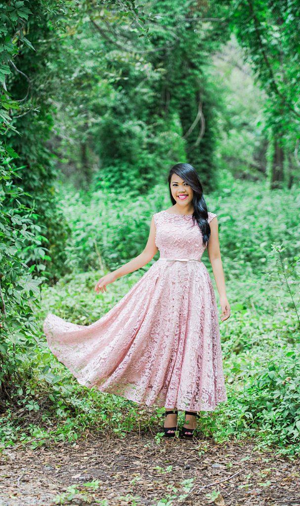 Enchants encounter dress in pink..