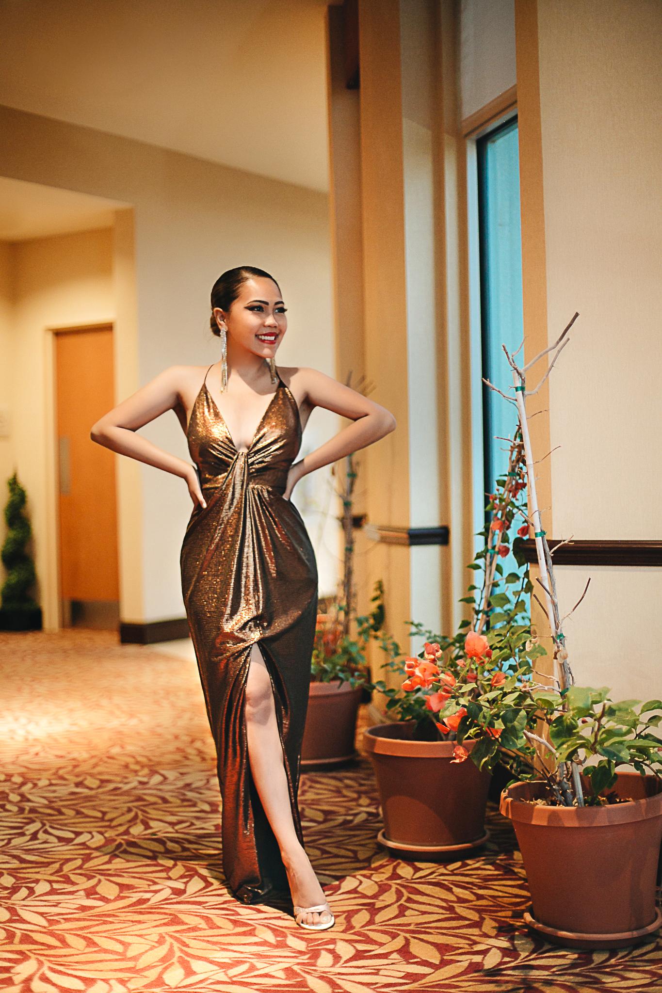 This Aidan Mattox Metallic-tone Maxi Dress Makes Holiday Dressing Fun!
