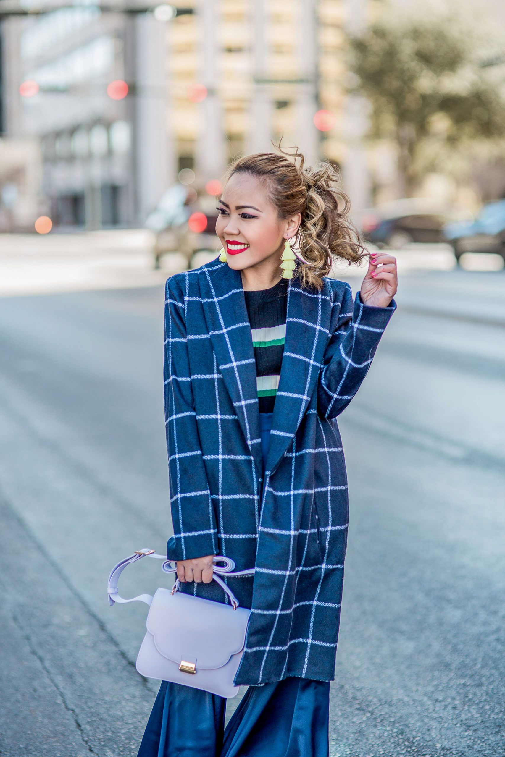 3 Ways How To Rock Classic Blue